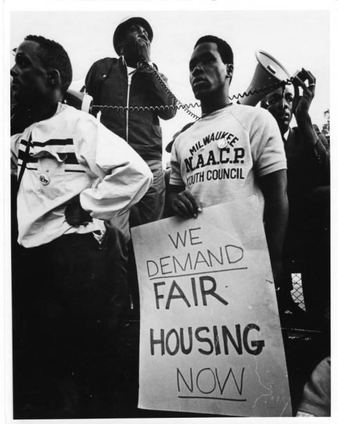 Fair_housing_demonstration_1967-817x1024